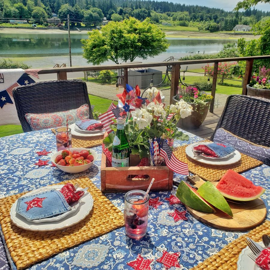 a perfectly patriotic tablescape overlooking the water