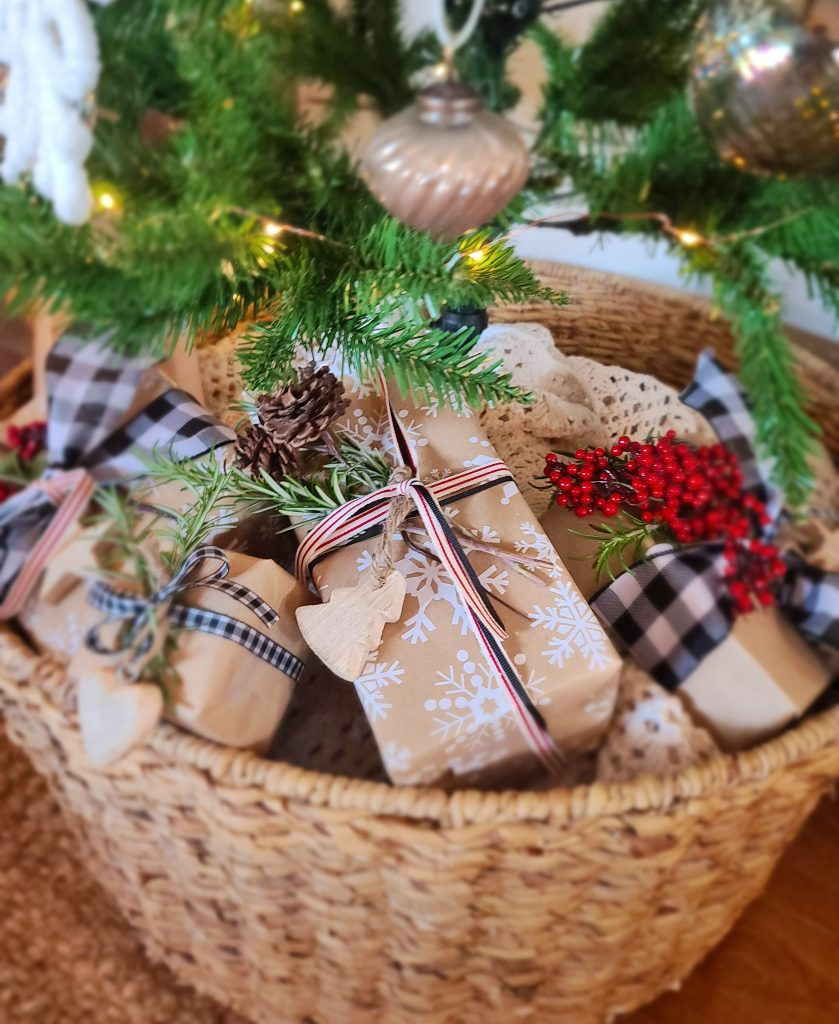 Wrapped presents under a tree